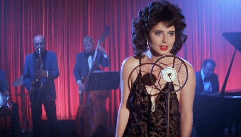 blue-velvet-1986-003-isabella-rossellini-singing-on-stage-ORIGINAL