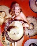 1948_sexy_marilyn_in_mexican_byLazlo_Willinger_010