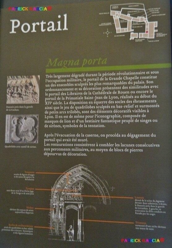 AVIGNON PALAIS INTERIEUR PORTAIL 906 copie