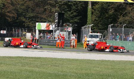 2010_Monza_F10_Alonso_Massa_4