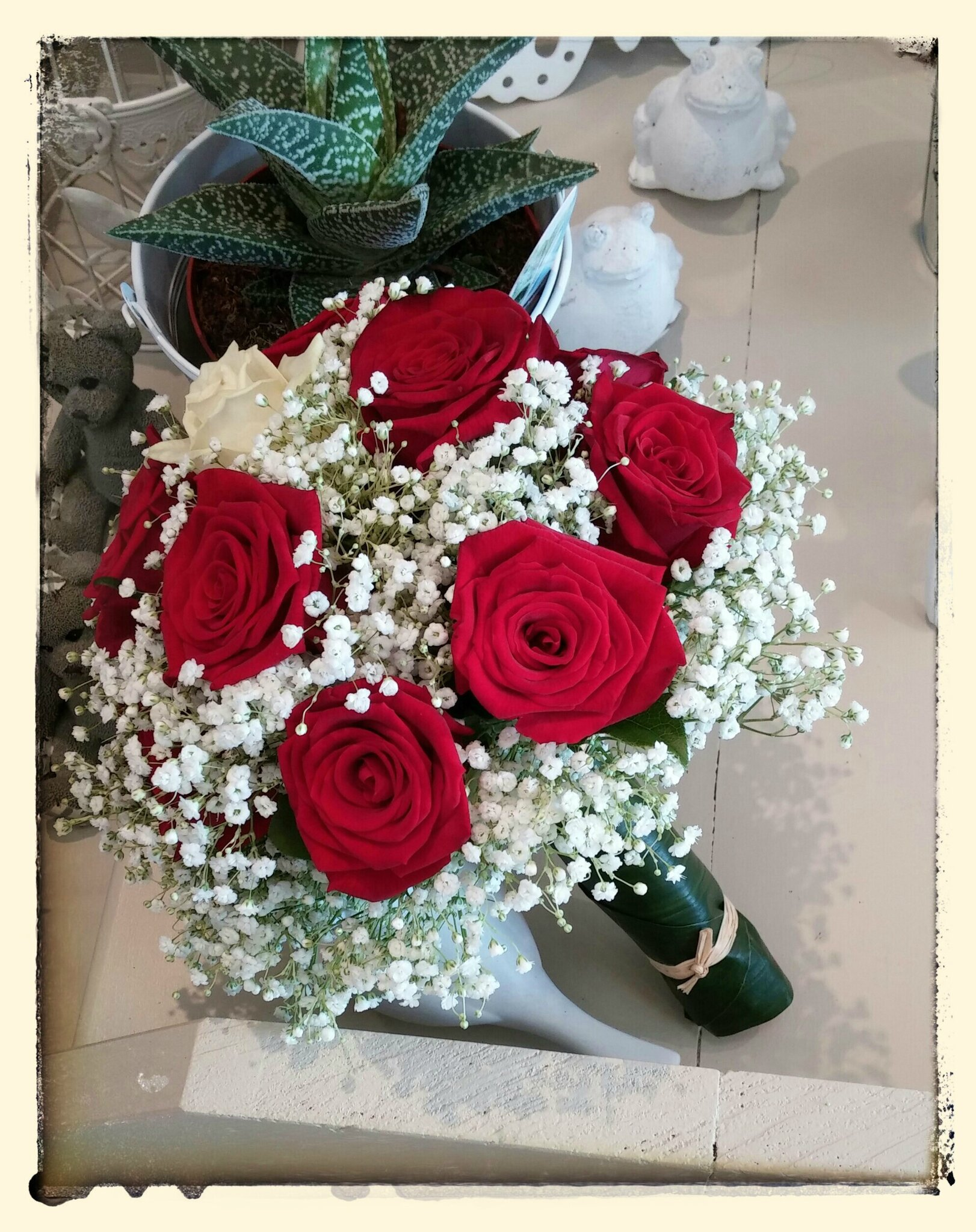 Bouquet de mari e rond rouge et blanc 50 euros photo de - Bouquet rose rouge et blanche ...