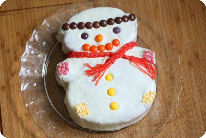 gateau bonhomme de neige moule tupperware blog chez requia cuisine et confidences