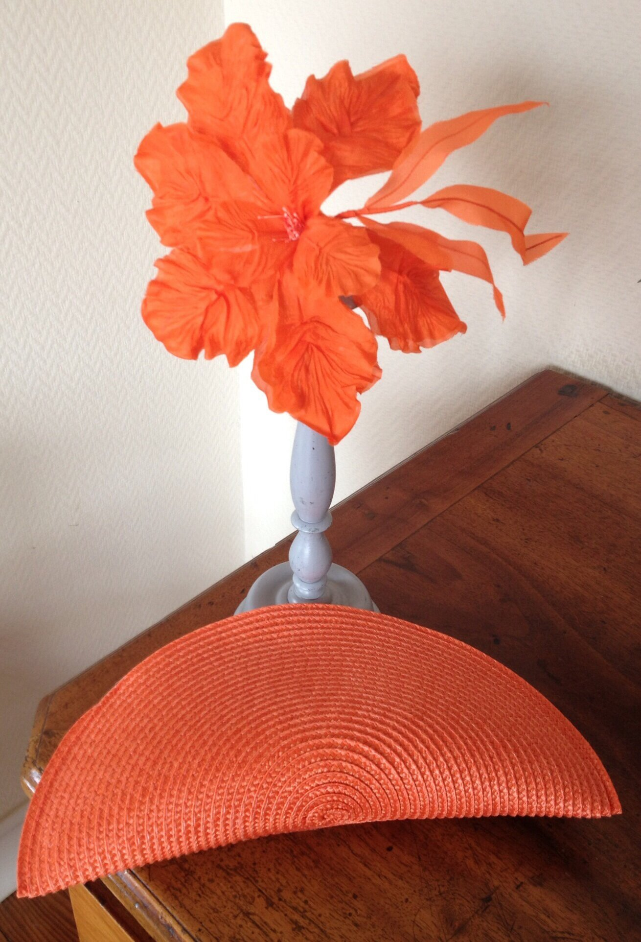 Pochette à coordonner à votre chapeau