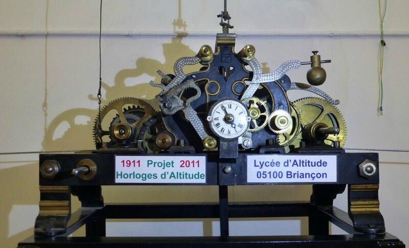 3 horloges en place et en fonctionnement Lycée de Briançon (4)