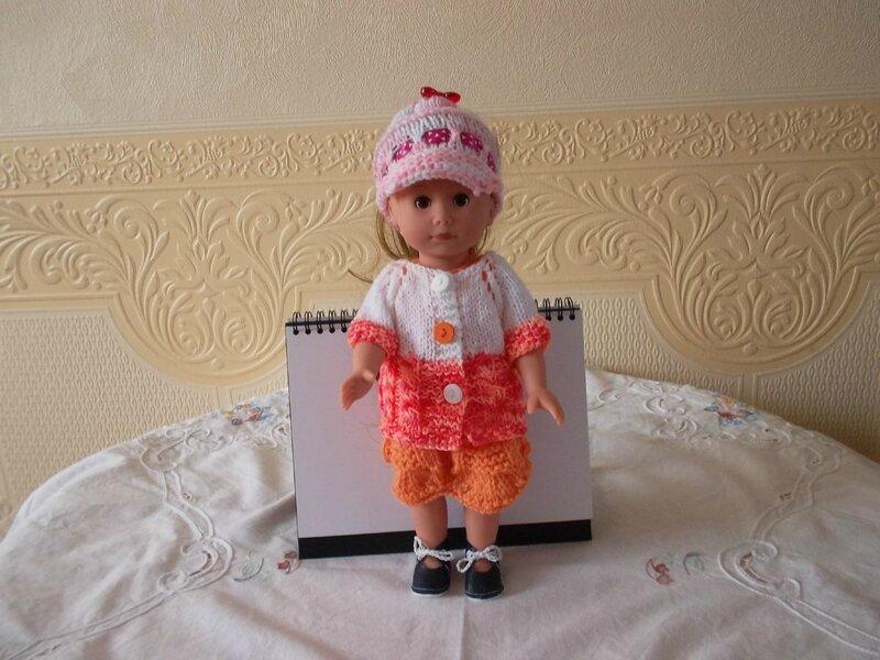 Laura en orange & blanc