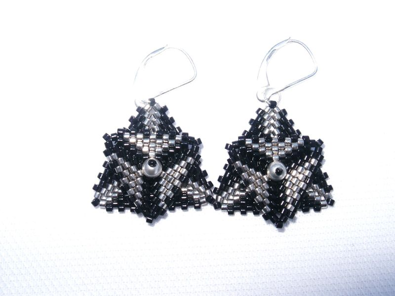 BO triangles peyote noir argent