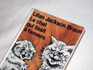 Le_chat_qui_lisait___l_envers