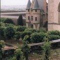 Les vignes et le logis royal