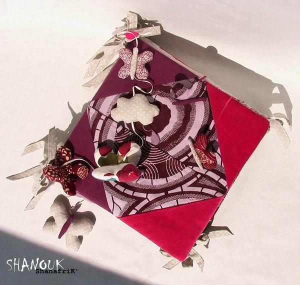 Mobile ShanafriK' - Vue du dessus ensemble sur tour de lit (SHANOUK ShanafriK')