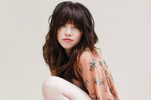 2127909-carly-rae-jepson-660-440