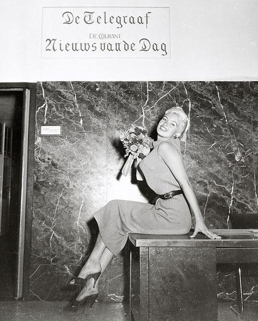 mm_dress_orange_1957_10_10_danemark_visit_journal_1
