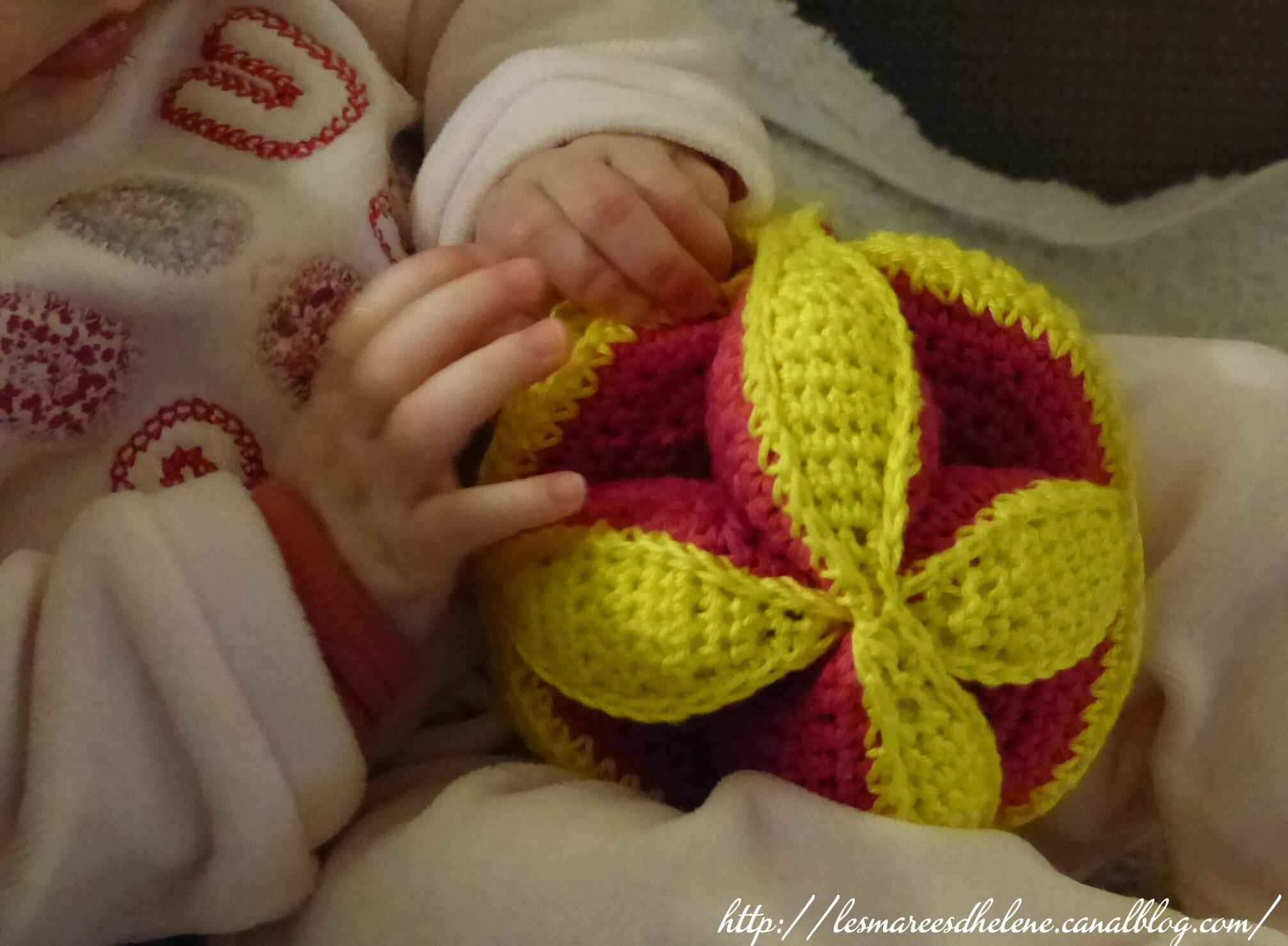 jouet bebe tricot