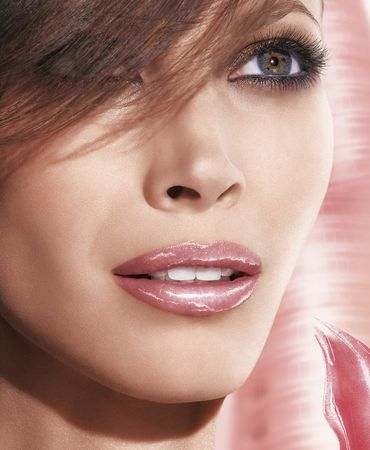 Christy_Turlington_for_Maybelline_New_York
