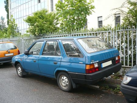 SKODA Favorit 135 LS break Strasbourg (2)