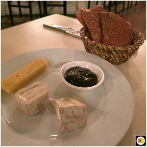 Assiette de fromages anglais, Chutney de Cotswold de Betty Margett