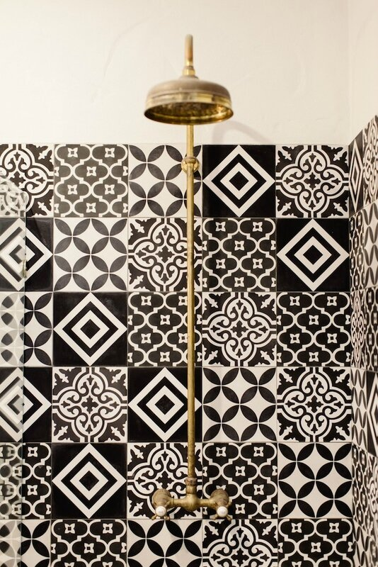 moroccan-tiles-brass-bathroom-the-lane