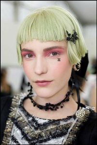 make-up-chanel-2012-13-Cruise
