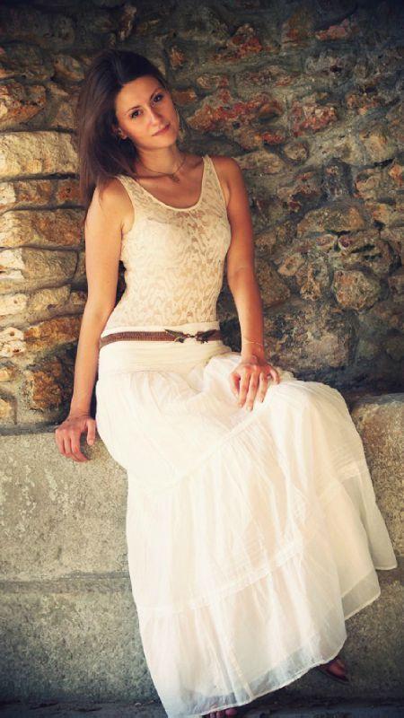 jupe longue blanche zara vendue le dressing des petites parisiennes. Black Bedroom Furniture Sets. Home Design Ideas