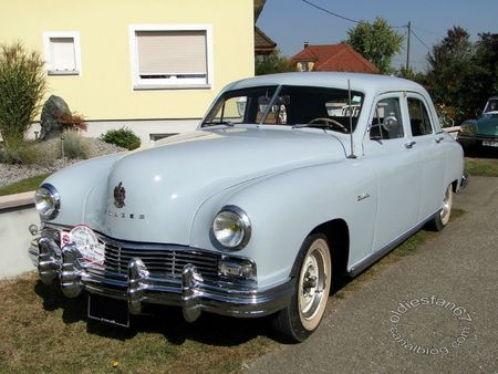 Frazer manhattan 4door sedan 1948 31e Randonne Internationale des Vendanges de Rustenhart 2011 2