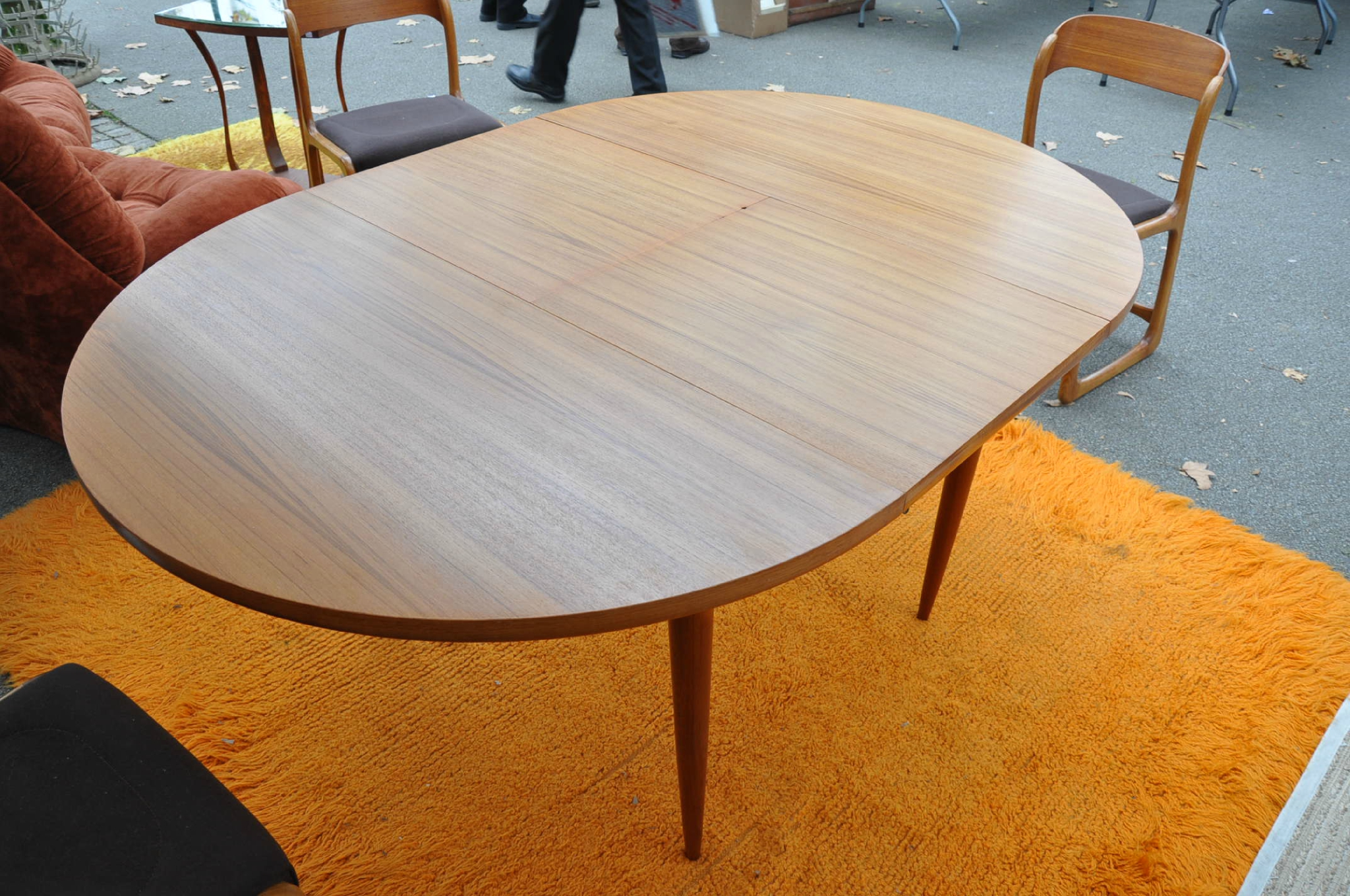Table ronde teck de type scandinave article vendu antiquit s du vingti me - Table ronde transformable ...