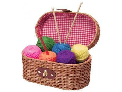 Coucou et bienvenue sur mon nouveau blog de loisirs créatifs, tricot, crochet et couture ...