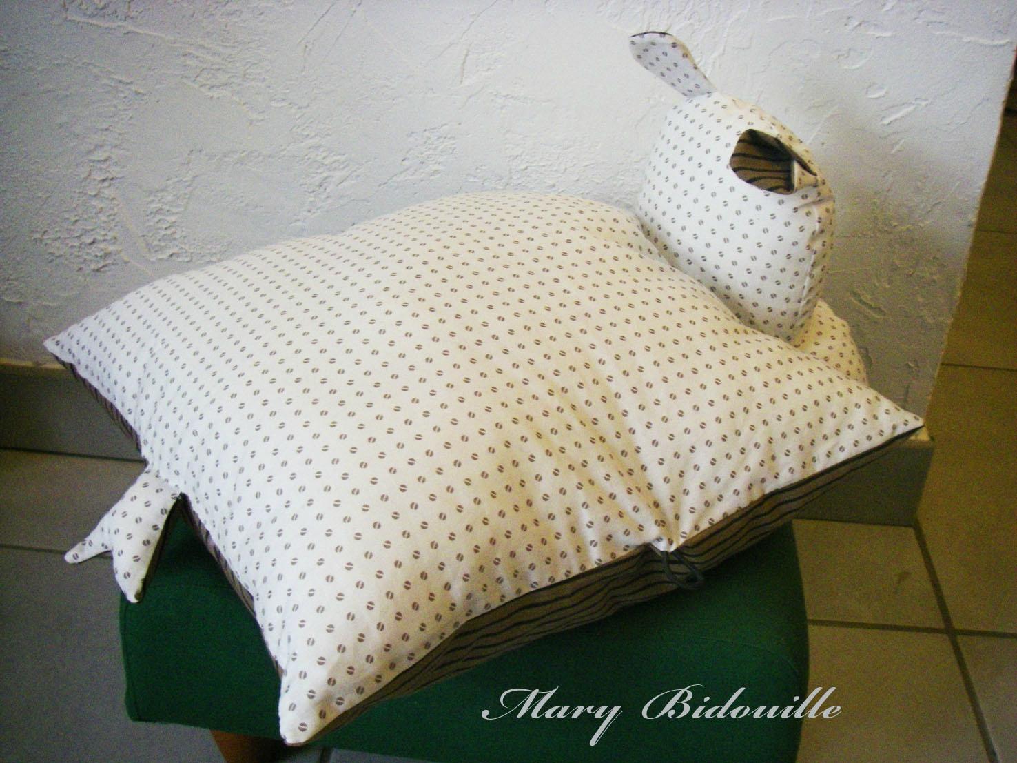 coussin hippopotame mary bidouille. Black Bedroom Furniture Sets. Home Design Ideas