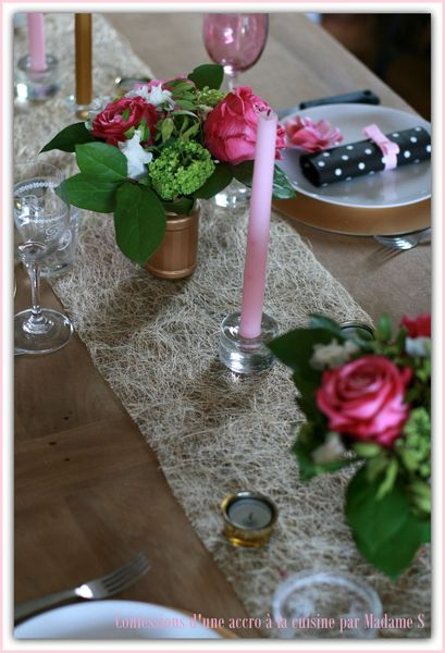 Table rose et or 012