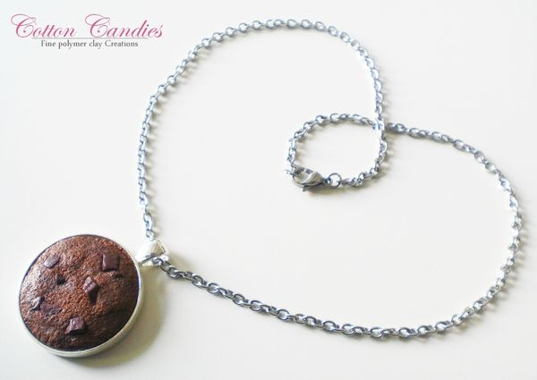 collier medaillon gros cookie chocolat 01