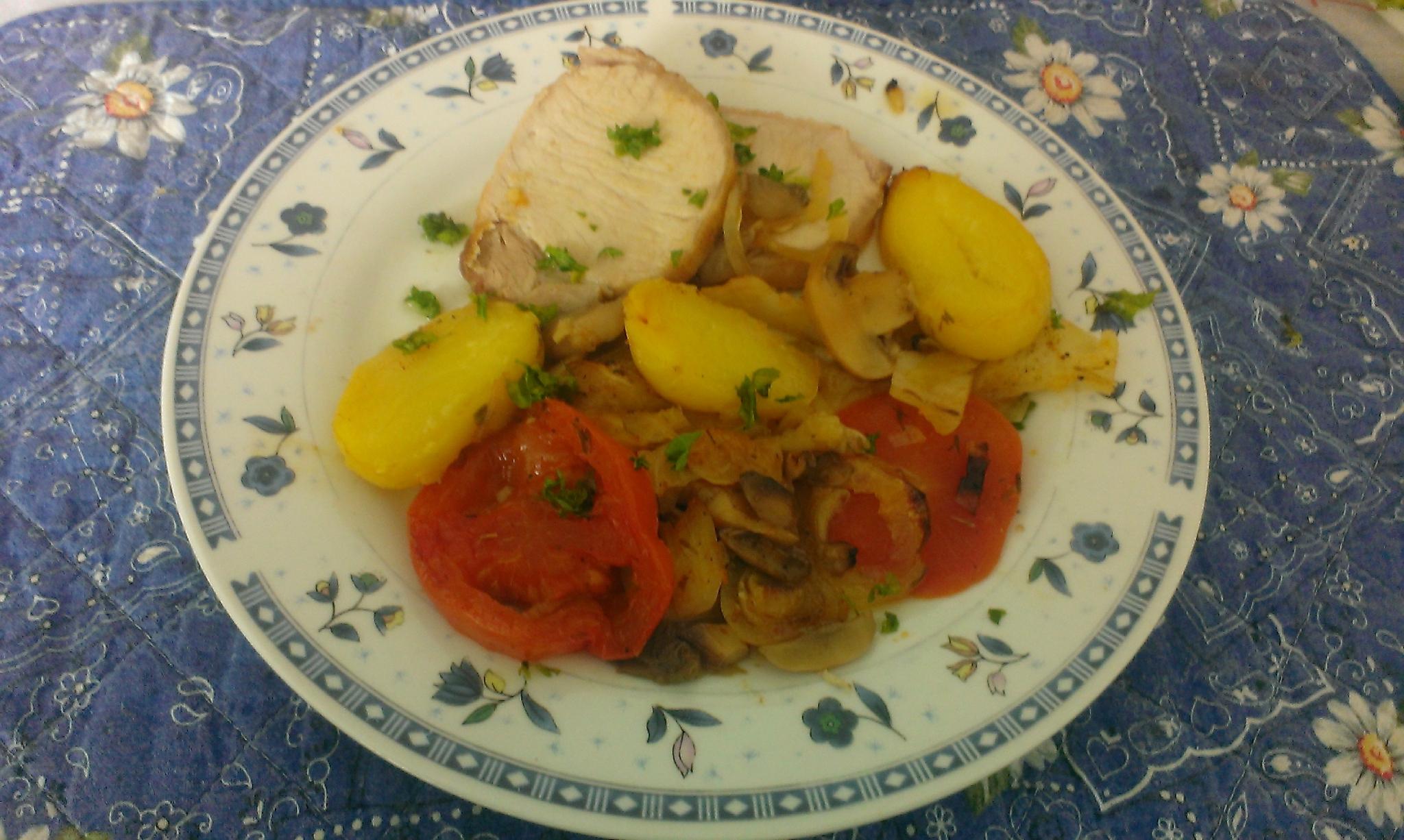 Rôti de porc et pommes de terre en sauce diabolique