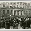manifestation_spartakiste_devant_le_parlement_de_Prusse_16_d_cembre_1918