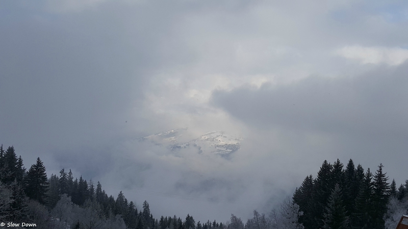 Une percée dans les nuages