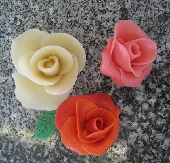 Fleurs pâte d'amande
