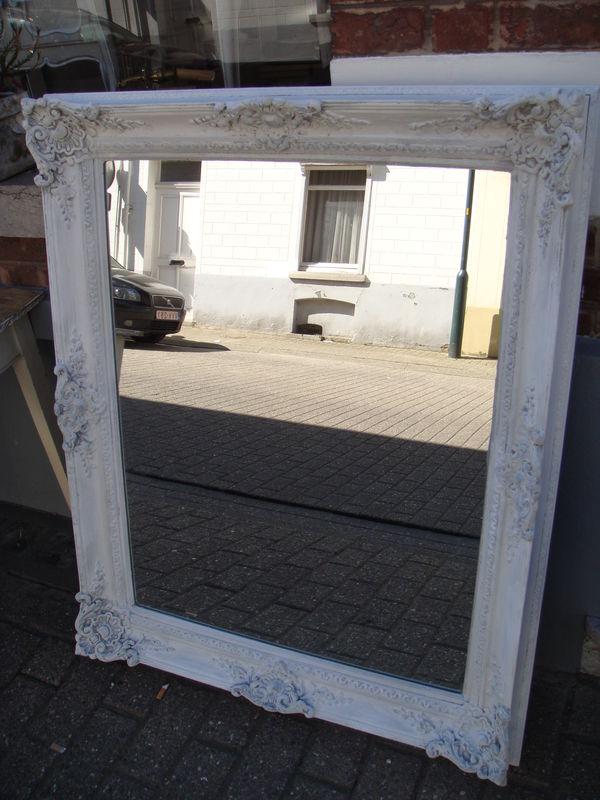 Grand miroir antoinette van tervueren for Grand miroir gris
