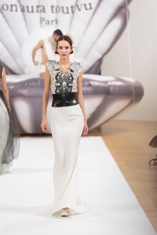on_aura_tout_vu_runway_couture_spring_summer_2017_Haute_Couture_Week-351