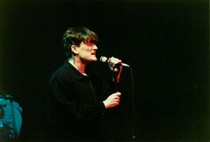 1989_12_The_Beautiful_South_Brixton_Academy_02