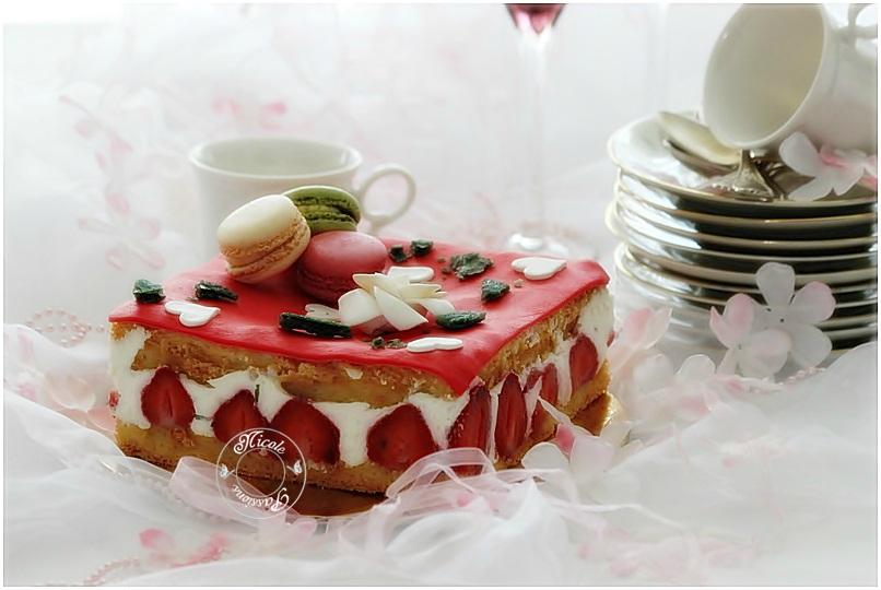 Comme promis,mes recettes présentées au pôle culinaire de la foire exposition de Nancy, hier...La recette du fraisier présenté.