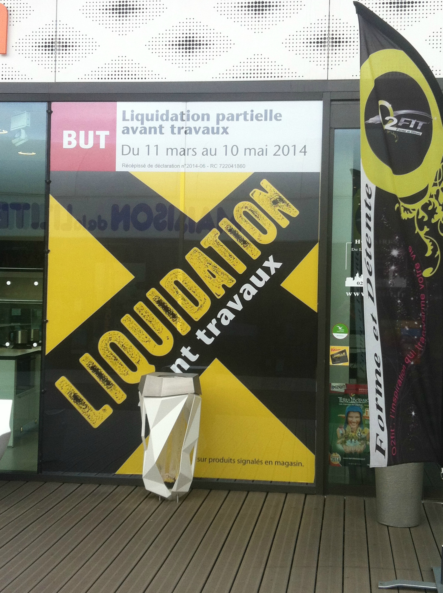liquidation partielle chez but angers jusqu 39 au 10 mai 2014 cathypety. Black Bedroom Furniture Sets. Home Design Ideas