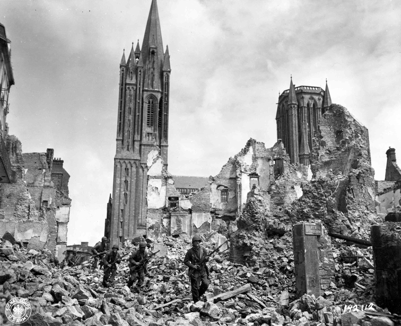 Coutances 1944 bombardement
