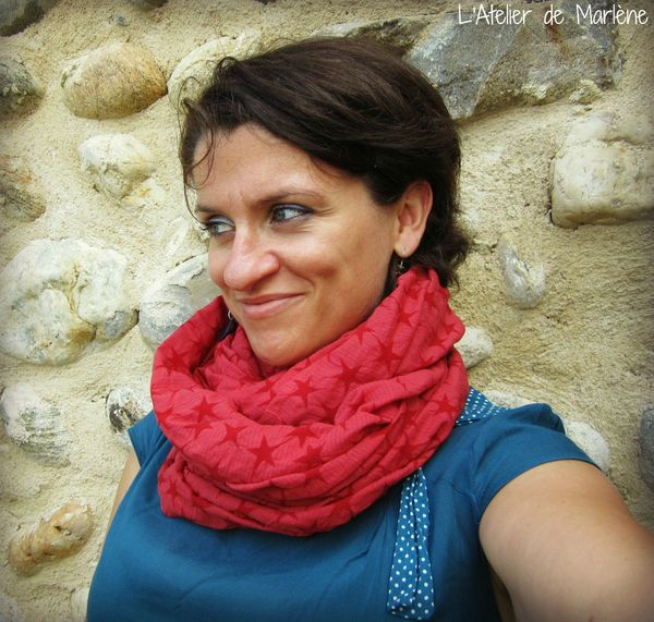 snood rouge étoile 2