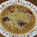Soupe à l'oignon et aux croûtons gratinés