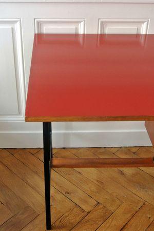 bureau moderniste rouge (7)