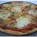 Pizza aux scampis et légumes grillés et sa pâte à l'origan