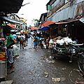 Dans la rue près des marchés 2