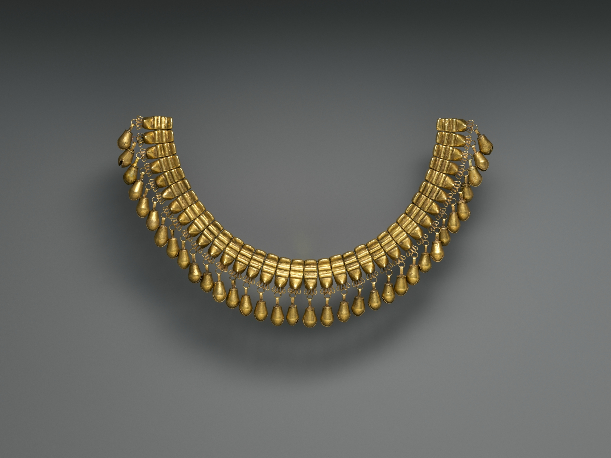 Necklace With Beads In The Shape Of Jaguars Teeth Mixtec Udzavui