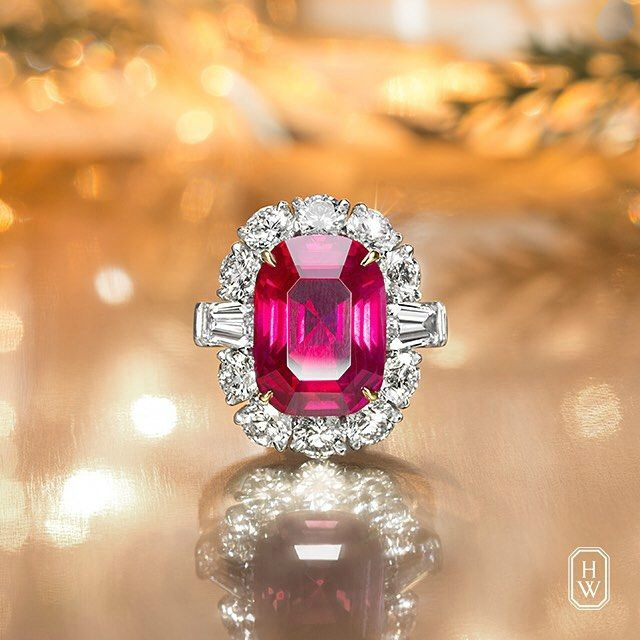 Harry Winston unveils an incredible ring showcase for the holiday season