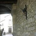 Le dragon gardant la porte de Latera, dans le volcan de Bolsène