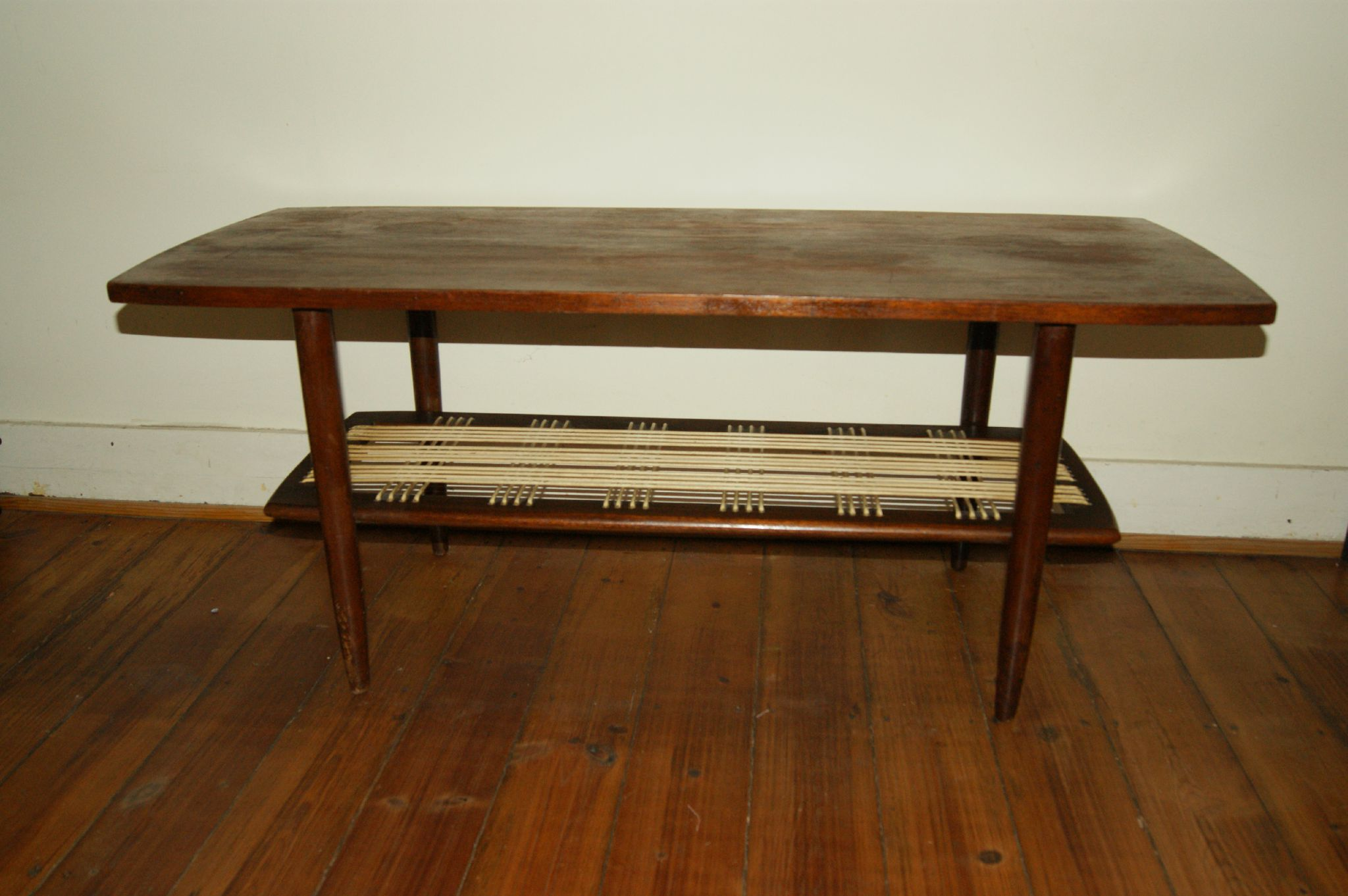 Table basse scandinave vintage goldies for Table basse scandinave fer