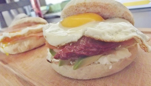 EGG MUFFIN_zoom