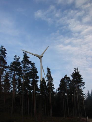 2008 05 03 Une éolienne de Saint Agrève (6)