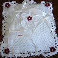 Coussin pour alliances tricoté crochet